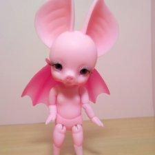 Продают Batty Boo в розовом цвете светящемся в темноте