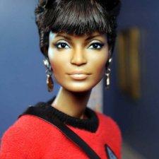 Nichelle Nichols - Uhura Barbie, мэйк куклы сделан Noel Cruz