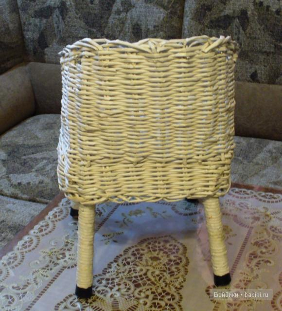 Кресло для кукол своими руками - из газетных трубочек