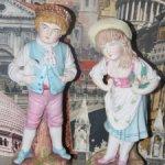 Старые статуэтки из бисквитного фарфора
