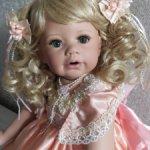 Красивая, фарфоровая куколка от Моники Левениг-Тереза.9900 до 31.12..