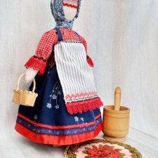 Авторская текстильная кукла в северорусском народном костюме.