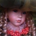 Кукла фарфоровая коллекционная Александра от Remeco Collection