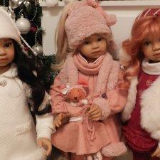 Мои девочки от  от А.Суттер. у новогодней ёлочки