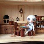 Мебель одним лотом и наполнение к ней для кукол ростом не более 16 см.