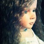 … была в том милом возрасте, когда девочка уже не ребенок, а ребенок еще не девушка. Лилу (Lilou) от автора Рут Треффайзен (Ruth Treffeisen)
