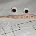 Стеклянные темно-карие глаза на ножке размер 13 мм