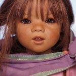 Венгерская цыганка Munira от Annette Himstedt (коллекция «Дети мира» 2005 год).