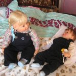 Двое чудных малышей