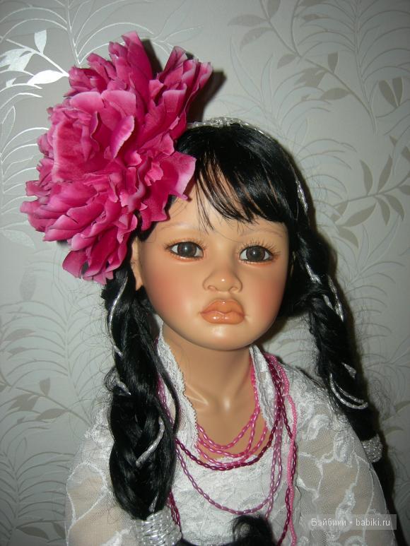 коллекционная кукла Дви Соптано