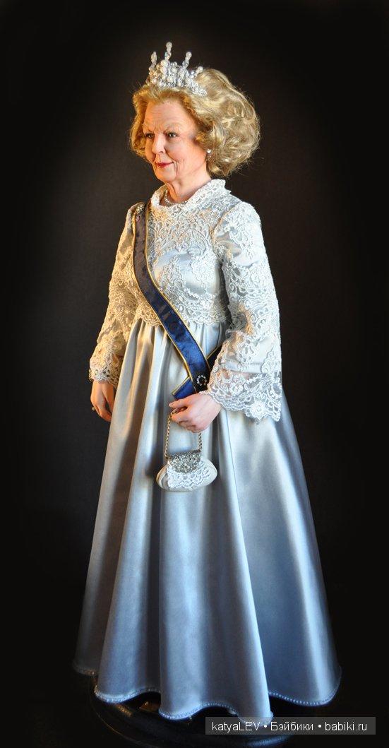 """кукла """"королева Нидерландов Беатрикс"""""""
