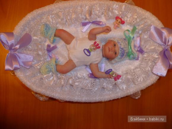 для малыша нашлись даже погремушки