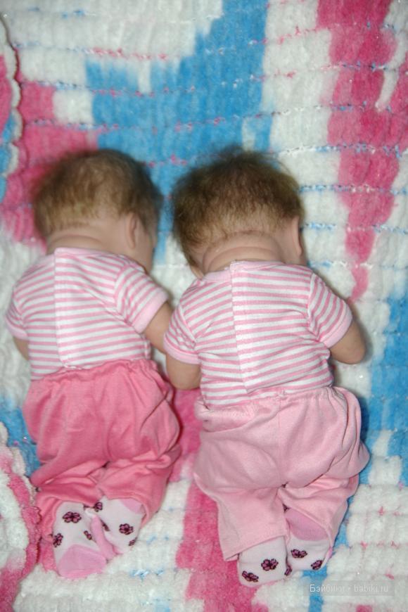 Сестренки-Варя и Даша