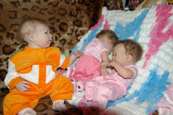 Сестренки-Варя и Даша и Кира