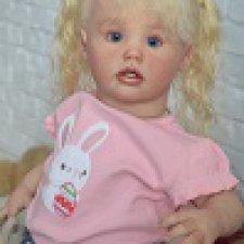 Ариэль - девочка с голубыми глазами