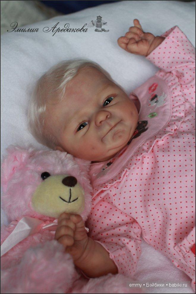 кукла Эмилии Аредаковой.