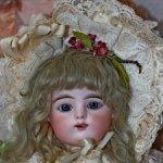 Очаровательная конфетка антикварная французская кукла Gaultier 8 scroll lock. 50 cm