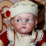 Характерная антикварная малышка Googlie Armand Marseille 210. Рост 16 см