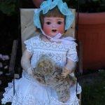 Антикварная кукла  HEUBACH-KÖPPELSDORF 342.6 52 cm в антикварной коляске мишка