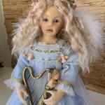 Кукла виниловая коллекционная Ангел Хлоя