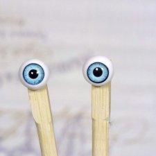 Продам глаза для БЖД с увеличенной радужкой, диаметр глаза 12 мм., радужки 8 мм.