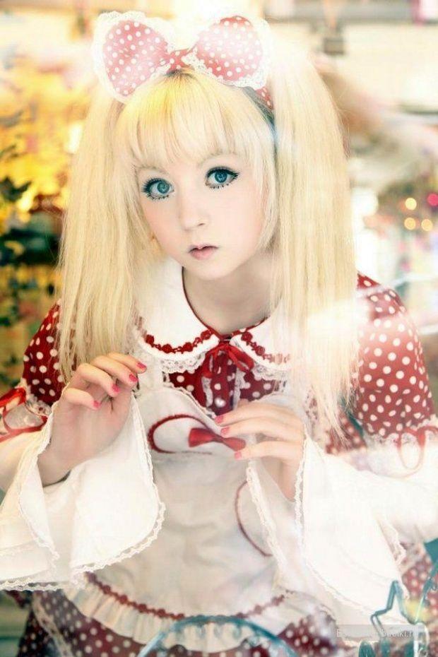 девочка-кукла