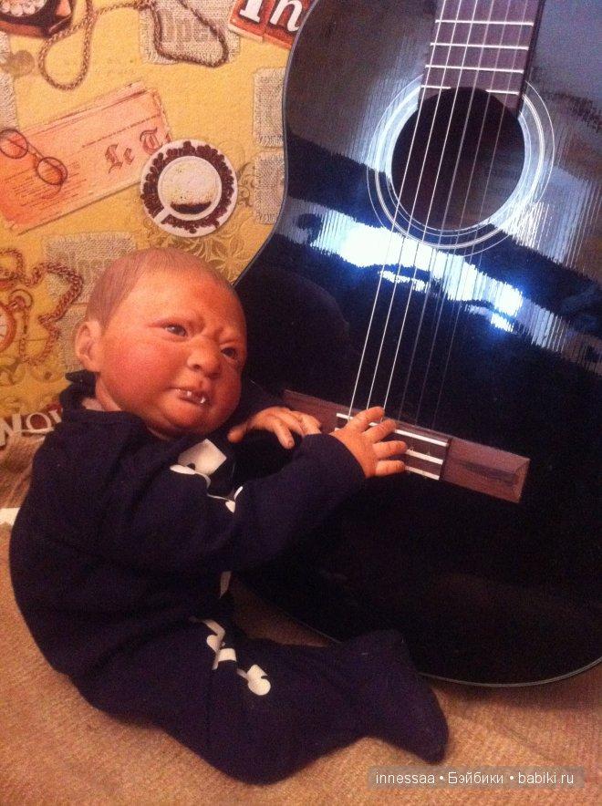 мальчик оказался очень музыкальным!