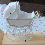Миниатюрная коляска  Heidi Ott с малышом