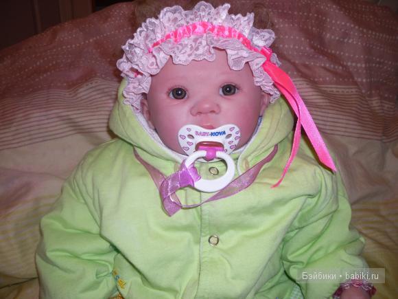 мамочка сшила мне повязочку на голову