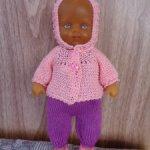 Комплекты одежды для разных пупсов и кукол или для малышей похожего формата.