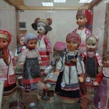 Выставка кукол в народных костюмах разных российских губерний