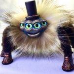 Паук Евстигней- шикарный и важный любитель шляп и ботинок.