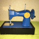 Машинка швейная , винтаж, СССР + подарки