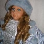 Небольшая любительская фотосессия коллекционной куклы Вильяма Тюнга в русском зимнем костюме