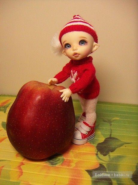 Тайка и яблоко