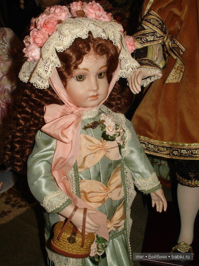 Старшая Дочь Елизавета от первой жены. (В роли дочери - кукла BRU)