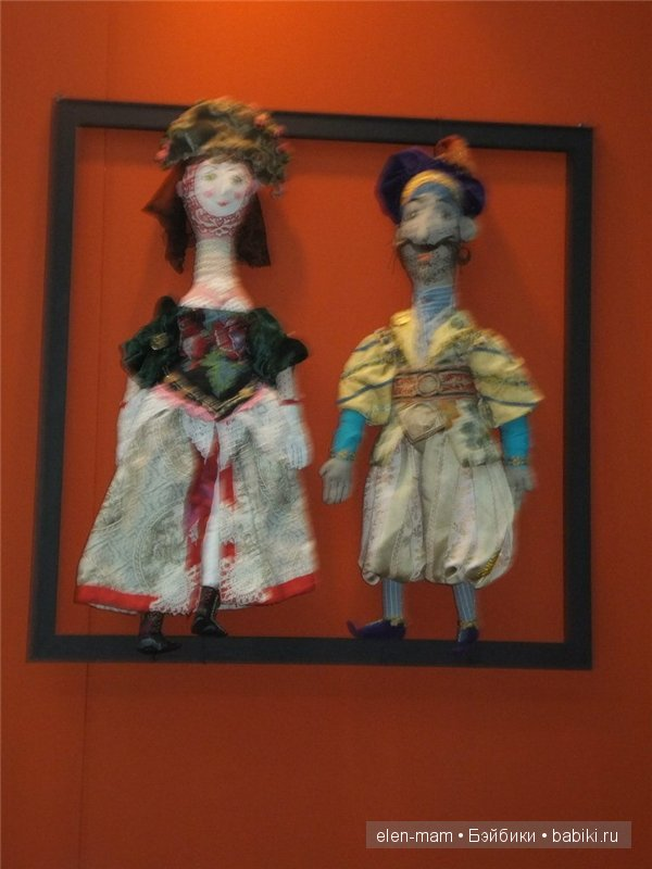 куклы в раме, другие