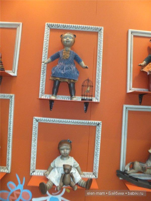 куклы в раме 2