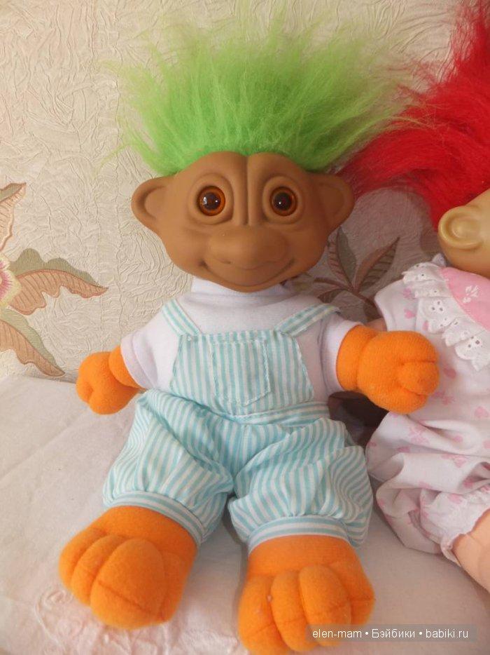 Тролль с зелёными волосами