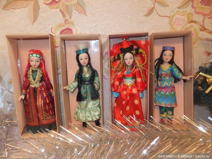 4 куклы, 1