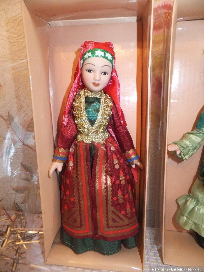 Одна кукла, 1