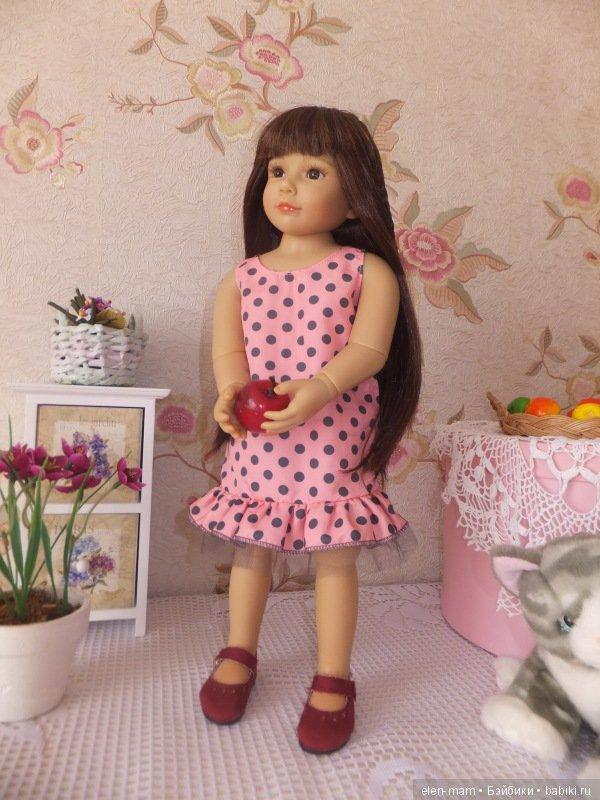 В платье 6