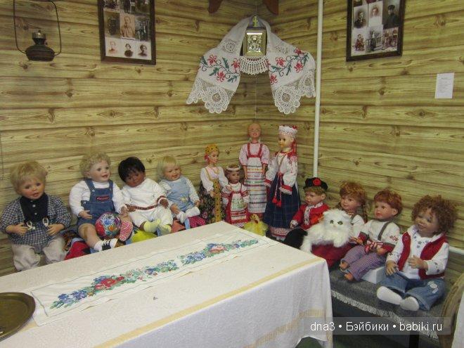 Куклы в музее Русская изба