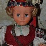Винтажная сувенирная кукла в этническом костюме.