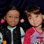 Обаятельные шарнирные девчонки Гвен и Скайлар,серия  American Girl Hopscotch Hill