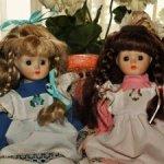 Две старинные,немецкие фарфоровые куколки .Головы-бюстики. Цена за одну.Очень милые.