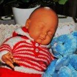 Спящий малыш . Автор молда — Питер Чан Пуи.Он необыкновенный!