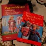 Две красочные книги с выкройками по изготовлению одежды для немецких кукол и им подобным.