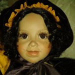 Коллекционная фарфоровая кукла автора Größle-Schmidt, серии Дети цветы - Подсолнух
