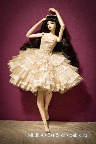 Нарядные платья на кукол своими руками